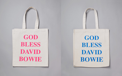 Il 29 Gennaio 1972 David Bowie ha iniziato il tour britannico di Ziggy Stardust, durato 18 mesi. Il 30 Gennaio 1972 alcuni soldati britannici spararono contro una folla di civili, uccidendone 14, durante una marcia per i diritti civili nell'Irlanda del Nord. Il tour ha coinciso con una crisi economica, vertenze sindacali, ed una campagna di attentati da parte dell'IRA (Irish Republican Army).