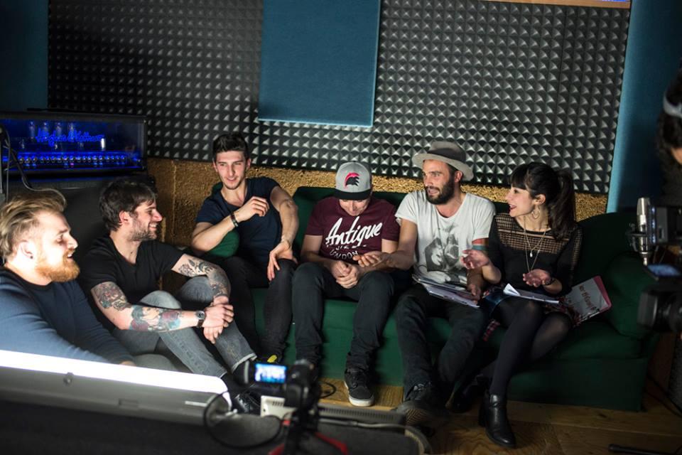 Live on Sofa Programma